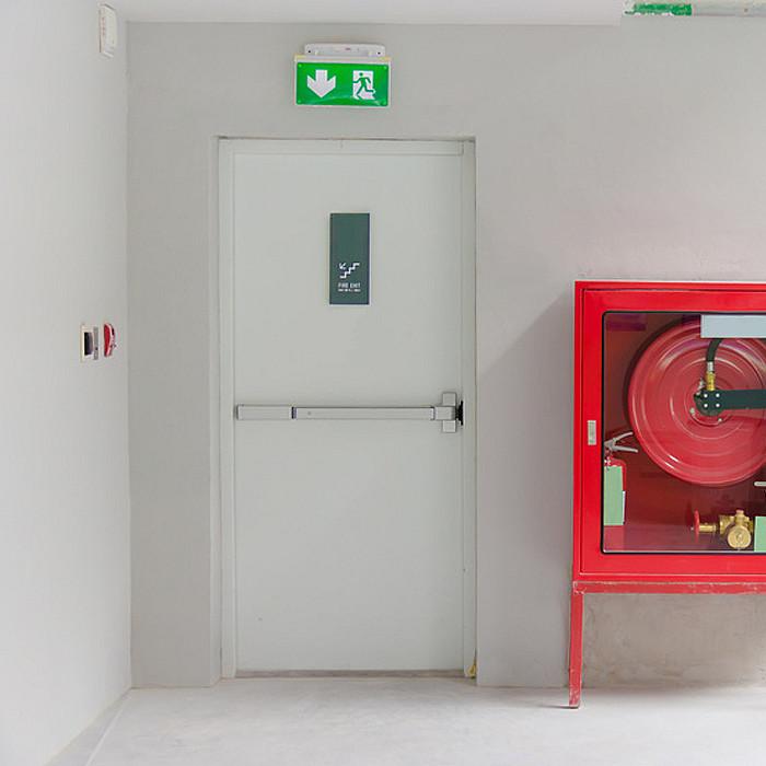 Pose de portes anti-feu