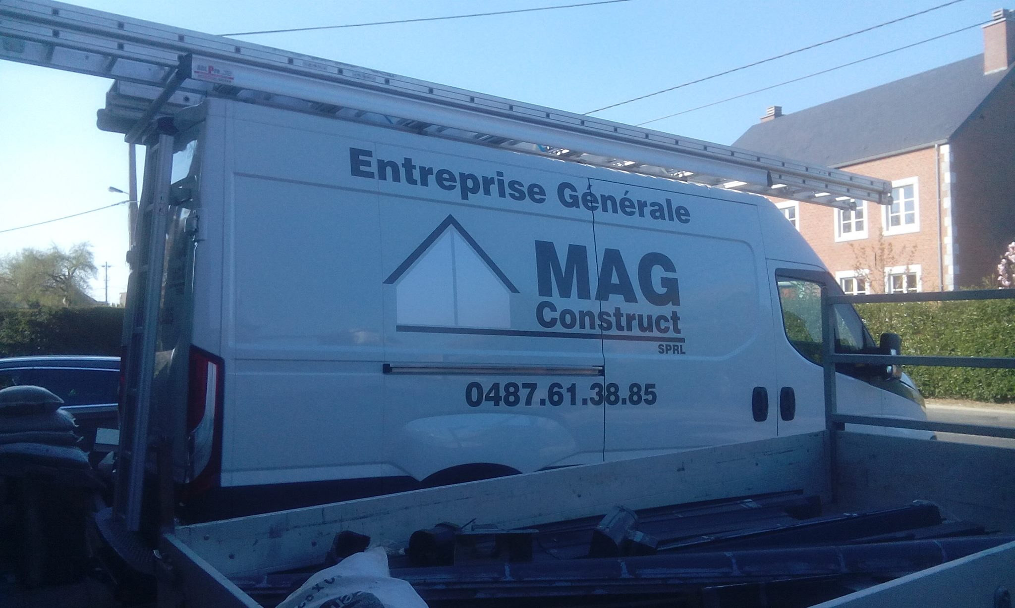 camionette Mag Construct - toiturier - couvreur
