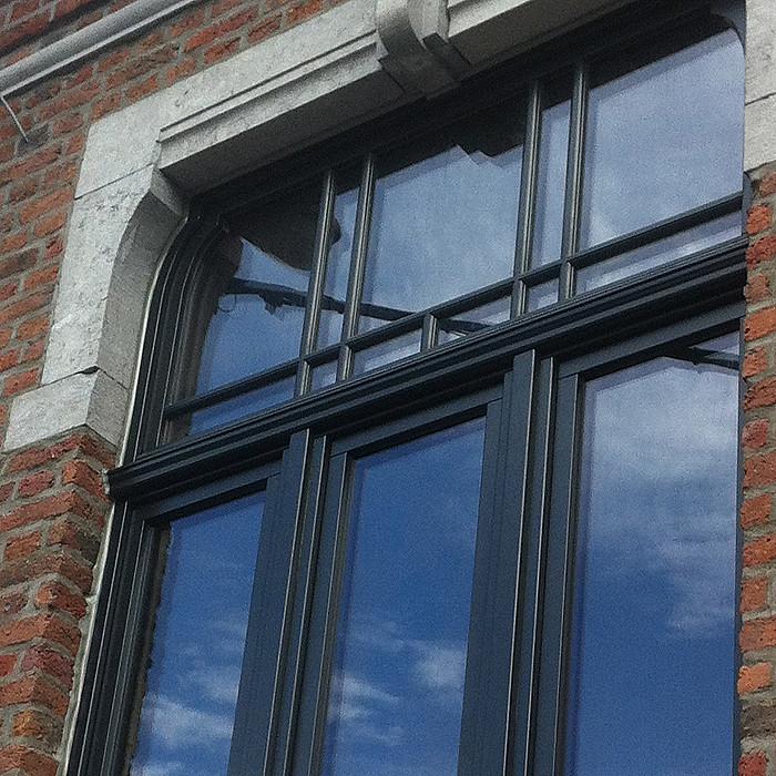 Fenêtre en bois sur-mesure à Ans