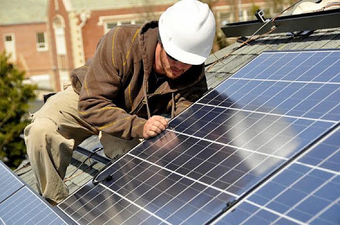 Installation de réseau d'électricité solaires