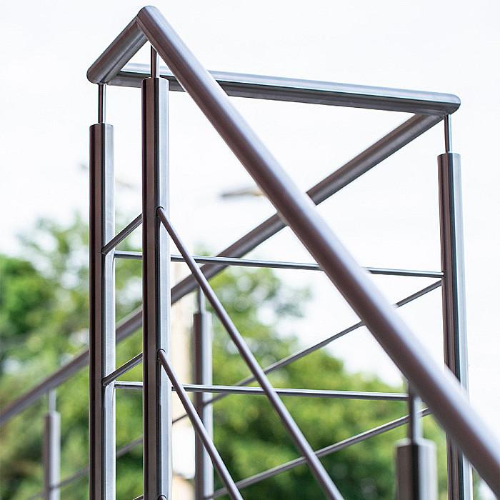 Garde-corps métalliques, barrière en métal, fabrication de garde-corps