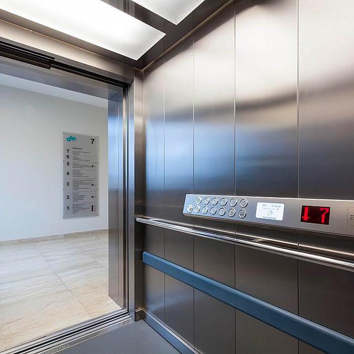 Ascenseurs pour hôpitaux, monte-malades à Herve