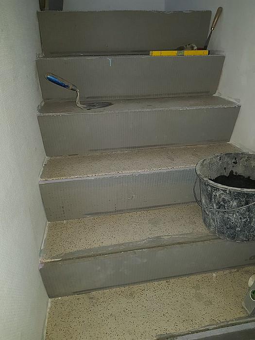 Carrelage d'escaliers à motif